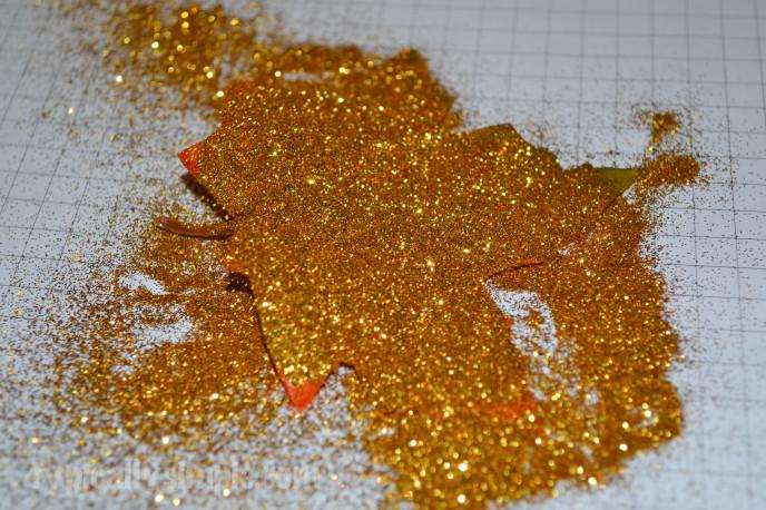 GlitterLeaves-1