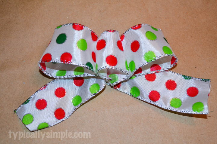 Simple Gift Bow Tutorial