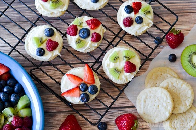 Mini Fruit Pizza Cookies